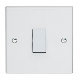 Volex White Moulded 10ax 1 Gang 1 Way Plate Switch
