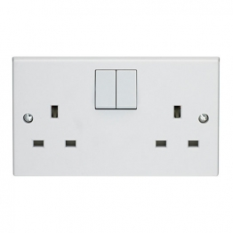 Volex White Moulded 13a 2 Gang Double Pole Switched Socket Outlet